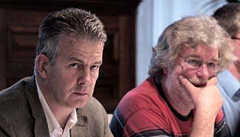 Koen Dillen (links) zit voortaan naast Groen?-raadslid Eric de Swaef.